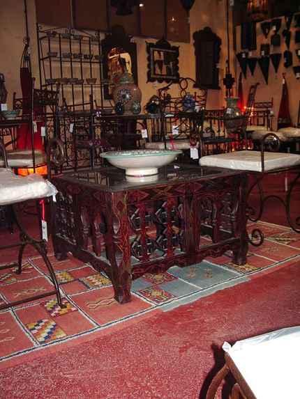 mesa_madera_arabe.jpg